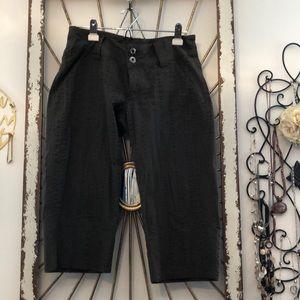Capris. length pants